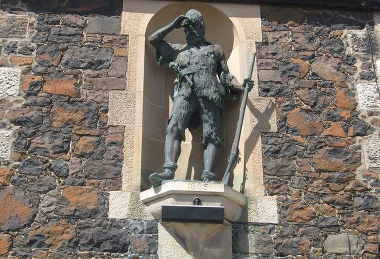 Alexander Selkirk statue, Lower Largo